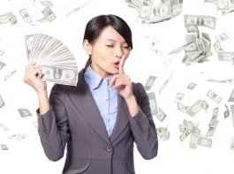 パワーストーンで金運を高めて、お金が貯まるようにしよう!